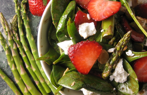 Photo of Balsamic Strawberry & Asparagus Salad