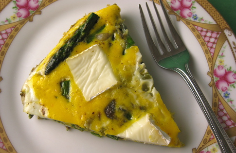 Photo of Asparagus Brie Frittata